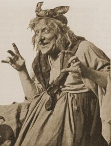 Adolf Niska som Häxan, klipp ur Scenen 1916.